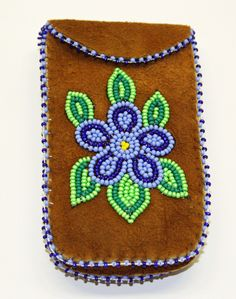 We sell handmade authentic native art and crafts made by the Tłı̨chǫ, including First Nations and artists from the Northwest Territories. Indian Beadwork, Native Beadwork, Native American Beadwork, Beaded Purses, Beaded Bags, Beaded Moccasins, Indian Crafts, Nativity Crafts, Beaded Cross