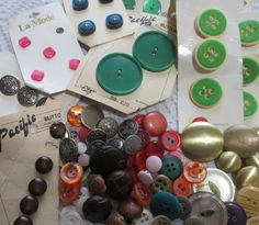 various colours 10 x 22mm 4-hole Resin Plastic Quality Buttons