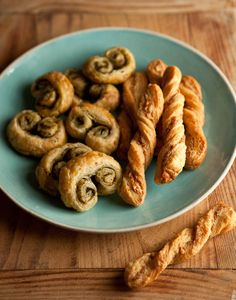 how to make cheese straws with parmesan and rosemary and other easy puff pastry snacks | Drizzle and Dip