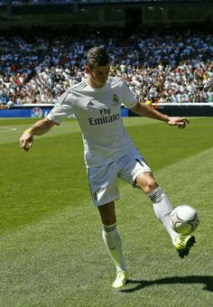 Gareth Bale is also a very good soccer player I like to watch gareth bale play.