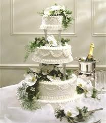 He likes pillars. Traditional -wedding cakes pictures - Google Search