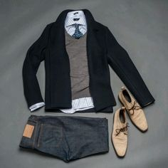 This is a Well put together men's casual or men's business casual ensemble.