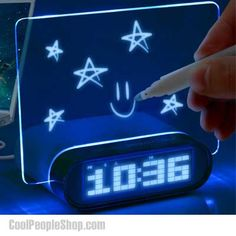 The glowing memo alarm clock is the ultimate nightstand addition. Apart from the alarm and clock combo, this unique model includes a specialized glowing memo board and four USB ports located at the back so you can charge all your devices at once. Geek Gadgets, Techno Gadgets, Fun Gadgets, Take My Money, Led Licht, Cool Inventions, Digital Alarm Clock, Alarm Clocks, Cool Things To Buy