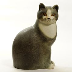 Murre Maxi:The largest of Lisa Larson's stoneware cats made at Keramikstudion Gustavsberg.