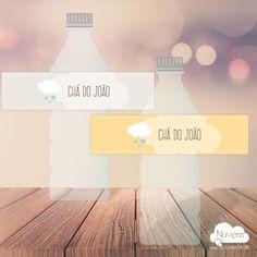 Rótulos de Água - Nuvem de Estrelas Você imprime quantos quiser. Texto editável no .PDF Lindo e prático! >>Ideal para Chá de bebê, batizado, mesversário e aniversário infantil.