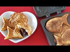 How to Make Taiyaki (2 Years Anniversary GIVEAWAY) Recipe たい焼きの作り方 (視聴者プレゼント). I think I'll only put the nutella filing.. Yummy!!!