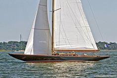 Classic Yacht Database  |  Classic Sailboats