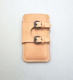 Main piquée iPhone 5 cas par CaramelLeatherCrafts sur Etsy