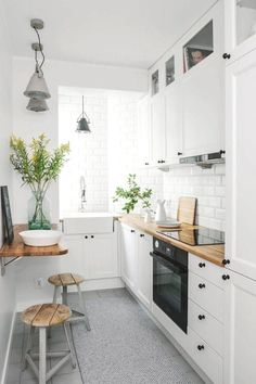 If you are looking for Apartment Kitchen Design Ideas, You come to the right place. Below are the Apartment Kitchen Design Ideas. This post about Apartment . Galley Kitchen Design, Small Space Kitchen, Little Kitchen, Interior Design Kitchen, New Kitchen, Kitchen Decor, Awesome Kitchen, Kitchen Designs, Rustic Kitchen