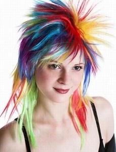 Recuerda que una técnica muy útil a la hora de emparejar raíces y puntas, consiste en utilizar un color que coincida con el tono más oscuro del pelo. http://surtimoscosmeticos.blogspot.com/2013/03/cambia-tu-color-de-cabellos-desde-tu.html