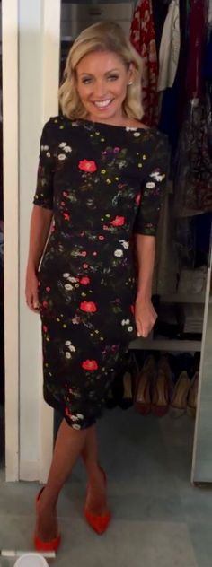 Kelly Ripa in an Erdem dress. Kelly's Fashion Finder