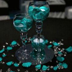 Beach Wedding Reception, Wedding Table, Wedding Ideas, Wedding Inspiration, Floral Wedding Decorations, Wedding Colors, Banquet, Vase Fillers, Decoration Table