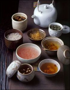 Korea has variety of increasingly trendy teas as the Koreans show more interest in having a healthy lifestyle. Koreans are very conscious about their shape and health and tea is known to be both very good for our health and maintaining our good shape as well.