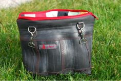 Tasche aus Fahrradschlauch / Bag made of bicycle tube / Upcycling