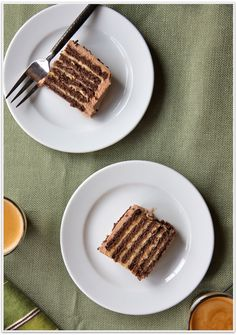 """Only 4 ingredients:  No-Bake Chocolate Peanut Butter""""Cake"""" made from graham crackers!"""