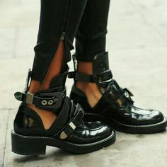 Get the must-have boots of this season! These Balenciaga Black Cutout Ceinture Boots/Booties Size EU (Approx. US Regular (M, B) are a top 10 member favorite on Tradesy. Ankle Boots, Bootie Boots, Shoe Boots, Zapatos Shoes, Shoes Heels, Pumps, Prom Shoes, Louboutin Shoes, Converse Shoes
