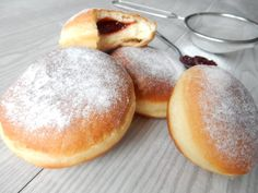 Masopustní koblihy No Bake Desserts, Dessert Recipes, Fondant Cupcakes, Easy Cookie Recipes, Graham Crackers, Deserts, Food And Drink, Bread, Cookies