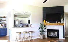 How to DIY Shiplap Fireplace Makeover – Modern brick fireplace Reface Fireplace, Diy Fireplace Mantel, Stone Fireplace Makeover, Fireplace Update, Fireplace Ideas, Fireplace Makeovers, Simple Fireplace, Farmhouse Fireplace, Fireplace Remodel