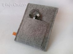 Il Gufo Creativo Handmade Design.  Creazioni in tessuto e feltro, borse, accessori e simpatici gufi ferma porta.