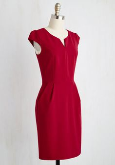 When work takes you to a tropical locale, your first order of business is to don this red sheath and match the fiery sunset. Lead a beachside brainstorm in this pocketed dress - complete with cap sleeves, a notched neckline, and a professional flair - that complements this scenic paradise!