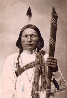 Aenohe'ohvo'komaestse (aka White Hawk) - Northern Cheyenne - 1876