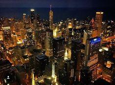 """Chicago by night observé depuis le Skydeck Chicago IL  Photo de @caronguyen  Share the love visitez sa galerie! ------------------------------------------- Rejoignez la communauté et tagguez vos photos #francaisauxusa pour être """"featured"""" et n'oubliez pas d'indiquer le  lieu  ! -------------------------------------------- #francaisauxusa #françaisauxusa #frenchexpat #frenchintheusa #usa #chicago #illinois #skydeckchicago #travelusa #travelamerica #amerique #exploreusa #bestofusa…"""