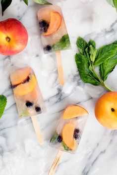 image Coffee Popsicles, Smoothie Popsicles, Frozen Desserts, Frozen Treats, Watermelon Popsicles, Peach Sangria, Homemade Popsicles, Popsicle Recipes, Summer Treats