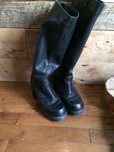 Le chouchou de ma boutique https://www.etsy.com/ca-fr/listing/589134777/botte-vintage-pompe-botte-retro-noir