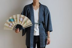 Description: Kimono Haori (着物 羽織) It is a chic woven silk jacket. (pine tree pattern) There is a Japanese family emblem Ume flower on the back.