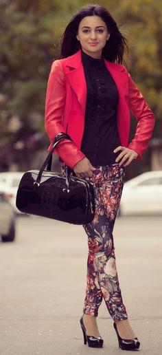 #romanticazerbaijan #baku #azerbaijan #gence #sumqayit #georgia #girls #red #jacket #new #collection #fashion #bag #fallwinter #2013 #2014 #shoes #legins #hair #beauty #smile