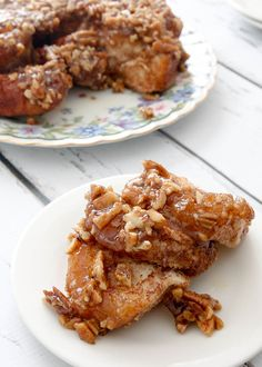 Easy Caramel Pecan Sticky Buns - Chocolate Chocolate and More!