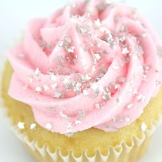 Glitter Cupcakes with edible stars! Sparkly Cupcakes, Silver Cupcakes, Star Cupcakes, Pink Cupcakes, Birthday Cupcakes, Valentine Cupcakes, Pretty Cupcakes, Beautiful Cupcakes, Pink Birthday