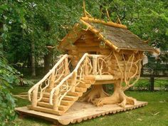 Such a beautiful tree house, gunna have to get my future husband to build one for the future kids lol Please visit our website @ https://www.freecycleusa.com for awesome stuff.