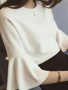 Blouse Styles, Blouse Designs, Casual Mode, Sleeves Designs For Dresses, Outfit Trends, Sewing Clothes, Designer Dresses, Fashion Dresses, Modest Fashion