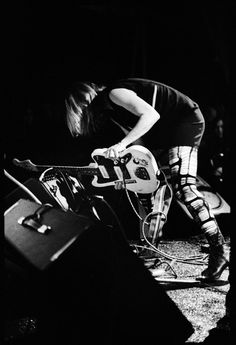 Kim Gordon, being amazing. Kim Gordon, No Boys Allowed, Sun Music, Alternative Music, Film Music Books, Post Punk, My People, Rock Style, Music Is Life