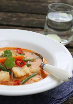 Rød thai trine Under innspillingen av portrettet valgte jeg å lag… Thai Recipes, Thai Red Curry, Seafood, Soup, Eat, Recipes, Cilantro, Sea Food, Thai Food Recipes