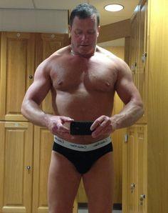gay UK muscleman GLOBALFIGHT PROFILES
