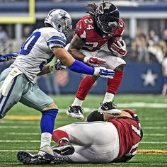 Devonta Freeman  had a fantastic day!  141 yds on 30 rushes, including 2 TDs.  He also had 5 catches good for 52 yards.  #RiseUp