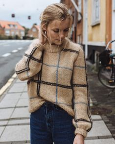 Scotty Sweater pattern by PetiteKnit - knitting patterns and other ideas Sweater Outfits, Fall Outfits, Cute Outfits, Big Sweater, Classy Outfits, Pullover Outfit, Pullover Pullover, Looks Style, Knitting Designs