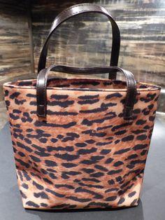 LEOPARD PURSE - Estee Lauder by   $21.20GOLLYWOODBOULEVARD on Etsy Vintage Purses, Vintage Handbags, Leopard Purse, Estee Lauder, Louis Vuitton Speedy Bag, Purses And Handbags, Etsy, Leopard Bag, Purses