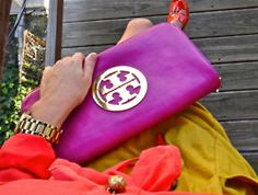 I am completely in love with this magenta Tory Burch clutch! Tory Burch, Dries Van Noten, Dior, Ralph Lauren, Gucci, Chanel, Couture, Swagg, Sky High