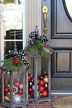 DIY Christmas Lanters...these are the BEST Homemade Christmas Decorations &