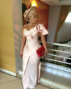 Asoebi is one among those factors that produces the Nigerian weddings lit! you'll accept as true with ME that however you gift yourself determines your rank. Aso-Ebi Styles for Guests 2018 . Nigerian Outfits, Nigerian Dress, African Print Fashion, African Fashion Dresses, Africa Fashion, African Attire, African Dress, Dinner Gowns, Lace Gown Styles
