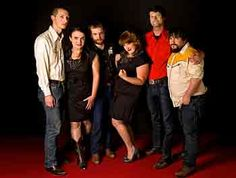 Salem native P.J. George returns to Roanoke today for a house gig with a hot band, The Sweetback Sisters. http://blogs.roanoke.com/cutnscratch/?p=18022
