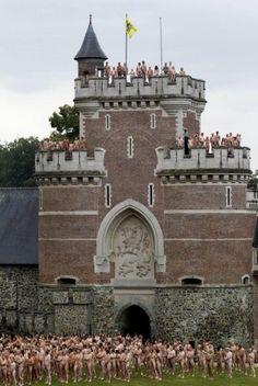 Spencer Tunick installation, 7 July 2011, Gaasbeek Castle, Flanders, Belgium. Photo Belga.