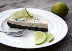Makovo limetková RAW torta, recepty, Torty   Tortyodmamy.sk Whole Food Recipes, Healthy Recipes, Healthy Food, Pavlova, Raw Vegan, Cheesecake, Deserts, Low Carb, Eat