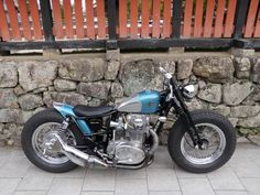 Yamaha bobbers - look at those tires Motos Bobber, Bobber Bikes, Yamaha Motorcycles, Bobber Chopper, Cafe Racer Motorcycle, Vintage Motorcycles, Custom Motorcycles, Custom Bikes, Women Motorcycle