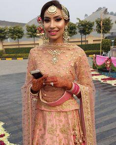 #wedding #punjabiwedding #wedmegood #tikkas #passa #kundan #pink #lenhga