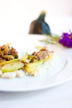 LowCarb Zucchini Hackpfanne mit Joghurtdipp