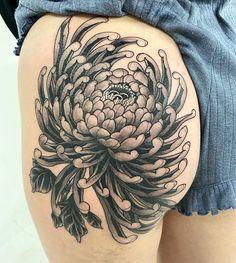 Chrysanthemum Tattoo, Tattoo Artists, Japanese, Tattoos, Flowers, Instagram, Tatuajes, Japanese Language, Tattoo